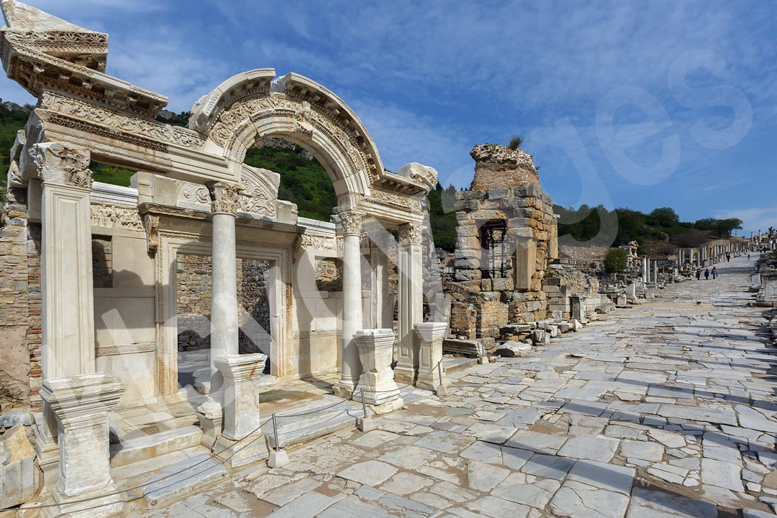 wycieczka fakultatywna z bodrum do efez świątynia Hadriana i droga kuretów