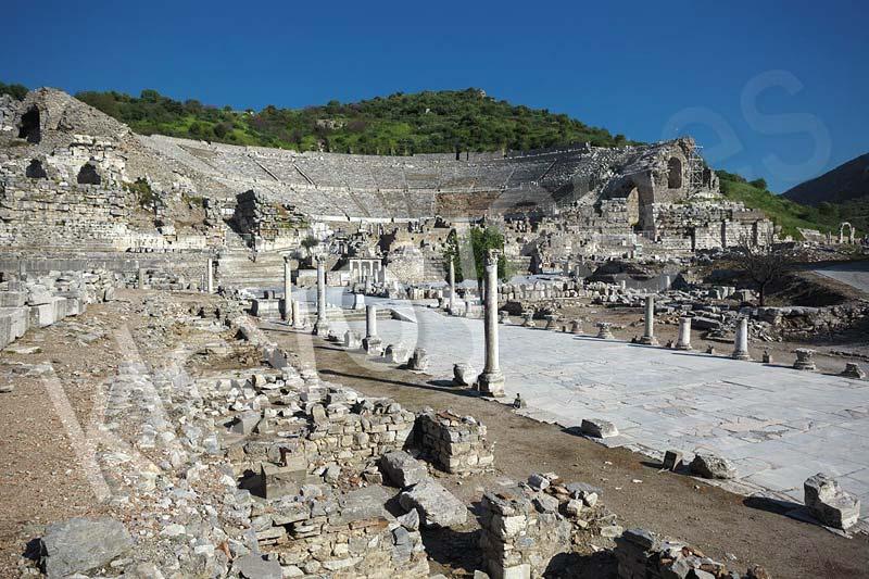 efez amfiteatr i droga do portu - wycieczka efez z bodrum