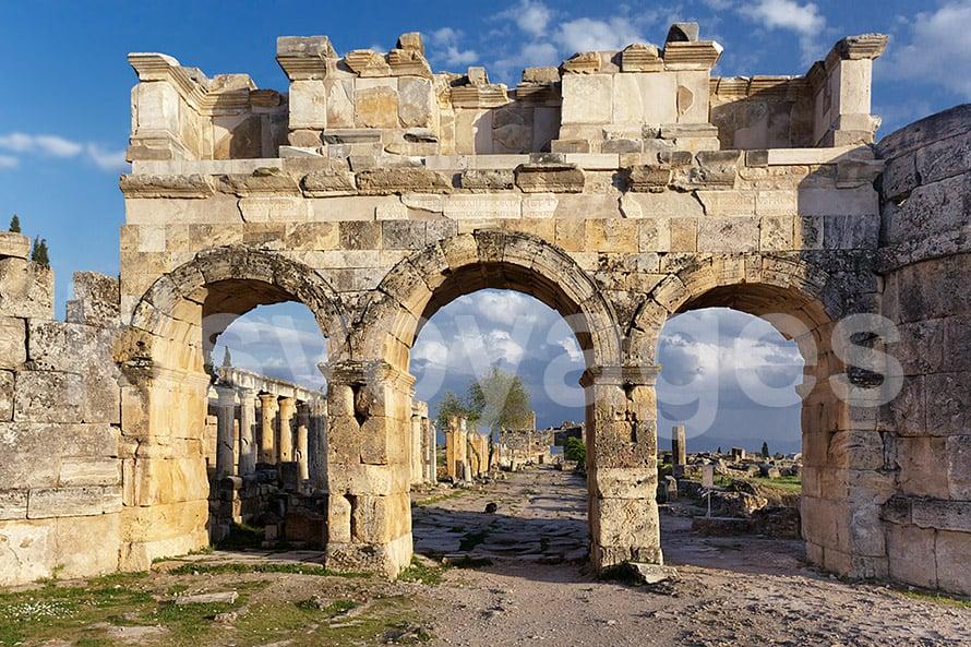 Pamukkale z Bodrum - ruiny starożytnego miasta Hierapolis