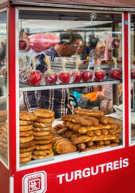 Turgutreis bazar simit tureckie obwarzamki