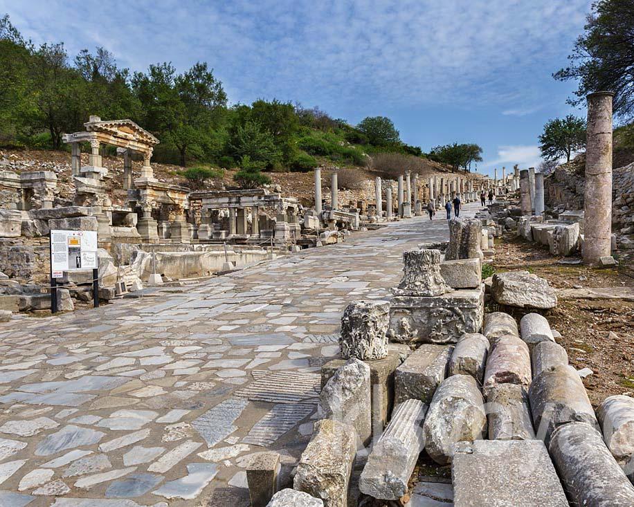 fontanna trajana i droga kuretów